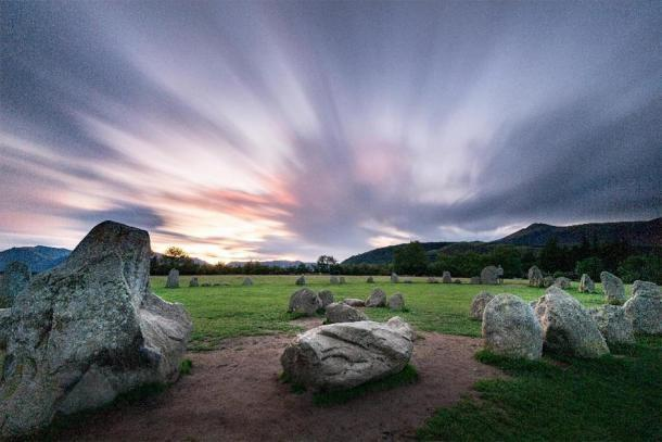 Cercul de piatra Castlerigg la rasaritul soarelui