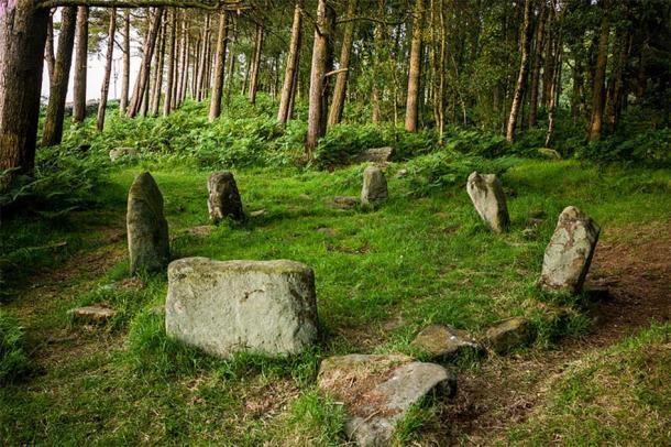 Doll Tor este unul dintre cele mai fermecatoare cercuri de piatra din Insulele Britanice